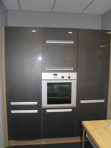 Het grootste keukenaanbod van nederland xeno antraciet hoogglans 40845 - En ingerichte keuken americaine ...