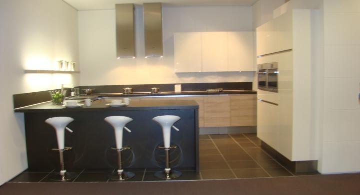 ... keukenaanbod van Nederland : Moderne greeploze U keuken [45535