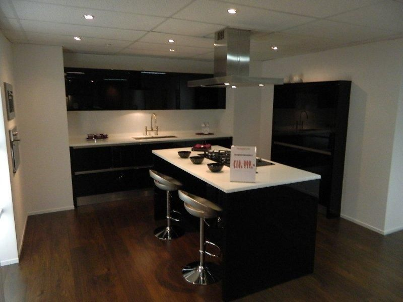 Hoogglans Keuken Zwart : Keukenstekoop het grootste keukenaanbod van nederland