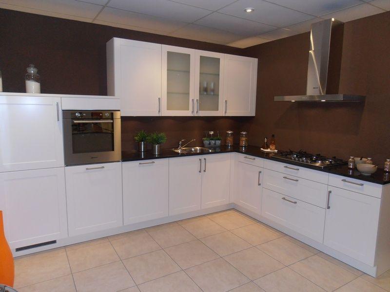 Het grootste keukenaanbod van nederland landelijke keuken met granieten - Afbeelding van keuken amenagee ...