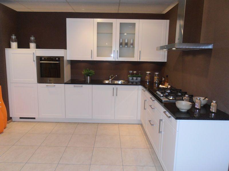 Het grootste keukenaanbod van nederland landelijke keuken met granieten - Keuken met granieten werkblad ...