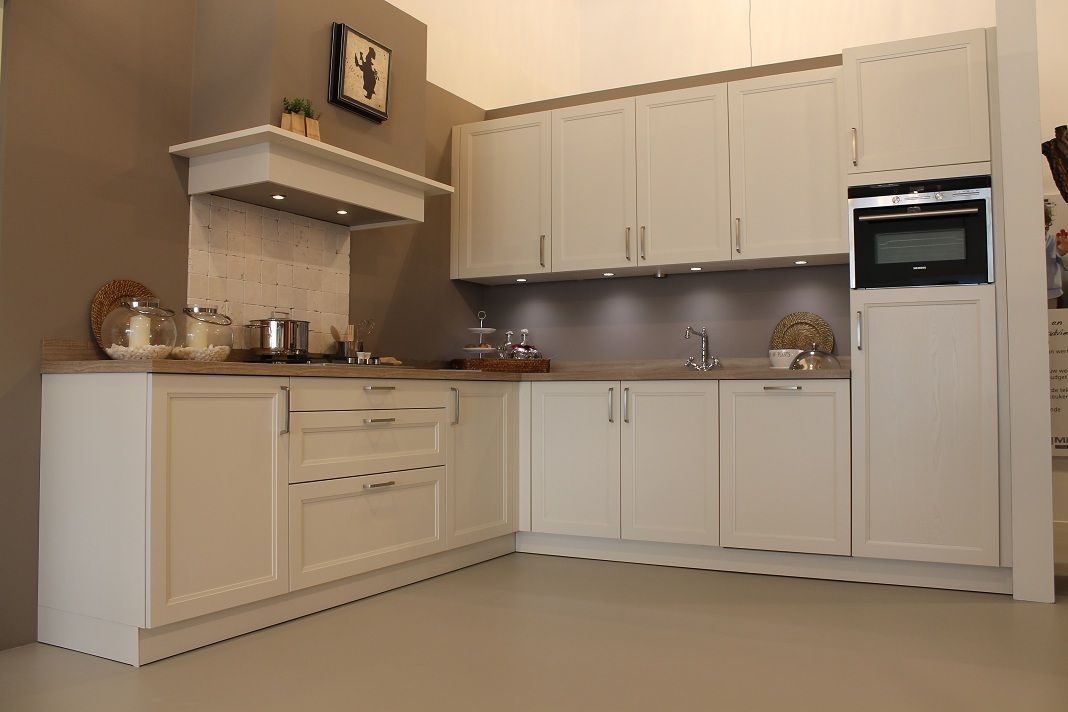 Achterwand keuken krijtverf home design idee n en meubilair inspiraties - Meubilair outdoor houten keuken ...