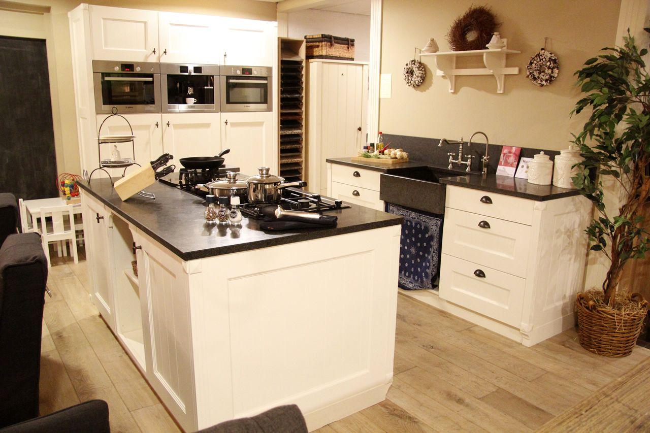 Kleine Keuken Modellen : Keukenstekoop het grootste keukenaanbod van nederland