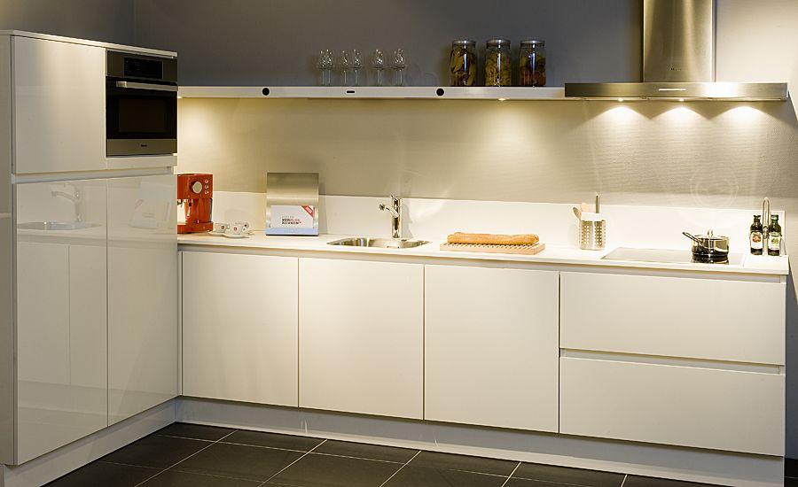 Goedkope Showroomkeukens : Keukens Zwolle Zondag Keuken Category Pictures to pin on