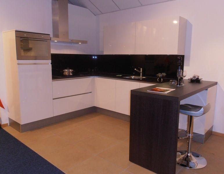 Witte Hoogglans Keuken Greeploos : keukenaanbod van Nederland Greeploze witte hoogglans keuken [50730