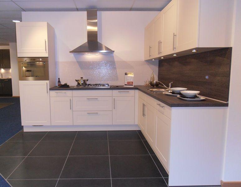 Keuken Renoveren Bruynzeel : keukenaanbod van Nederland Landelijke keuken in magnolia [50641