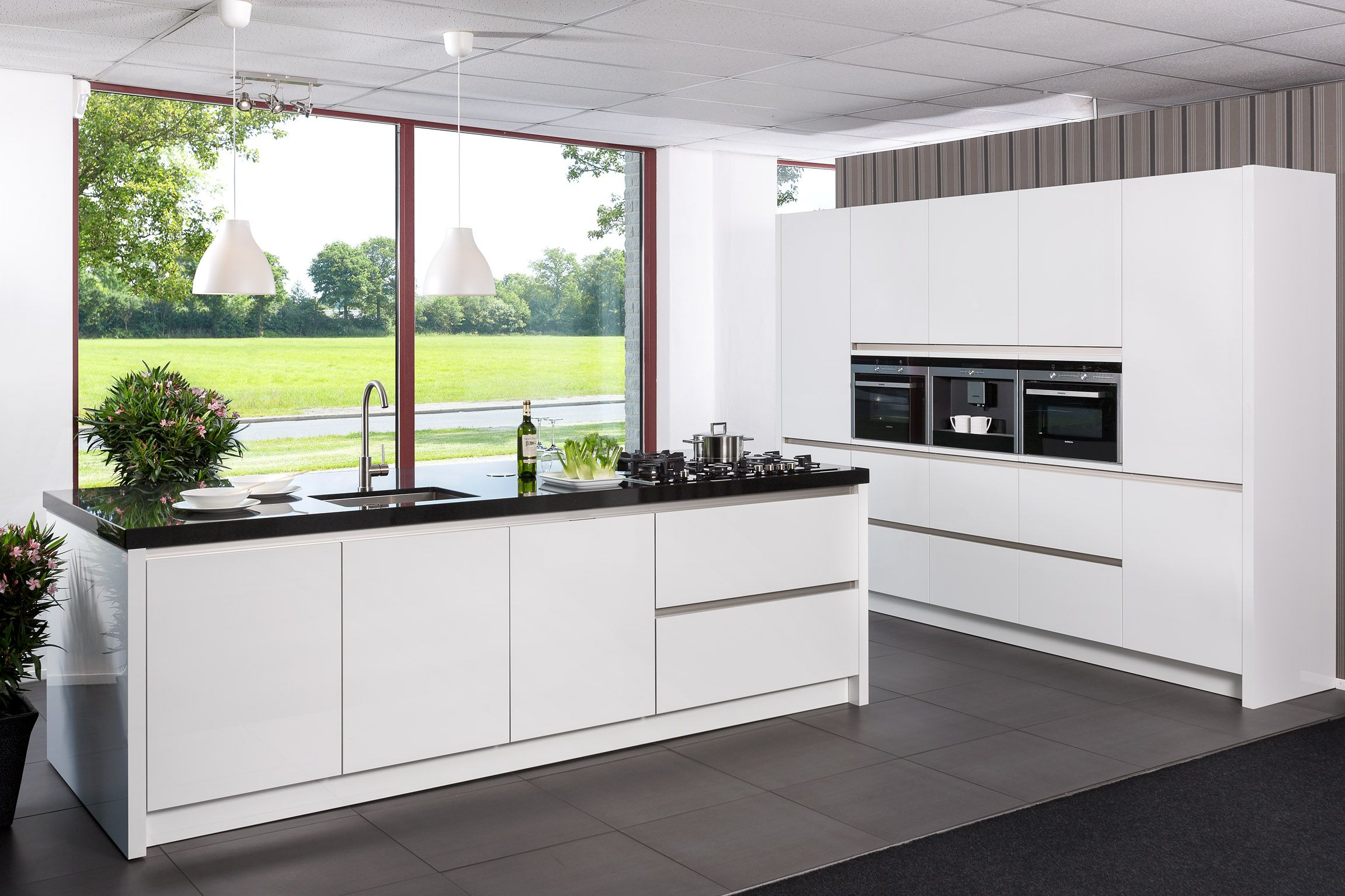 Keuken Plint Rvs : keukenaanbod van Nederland GREEPLOZE SIEMENS EILAND KEUKEN [54207