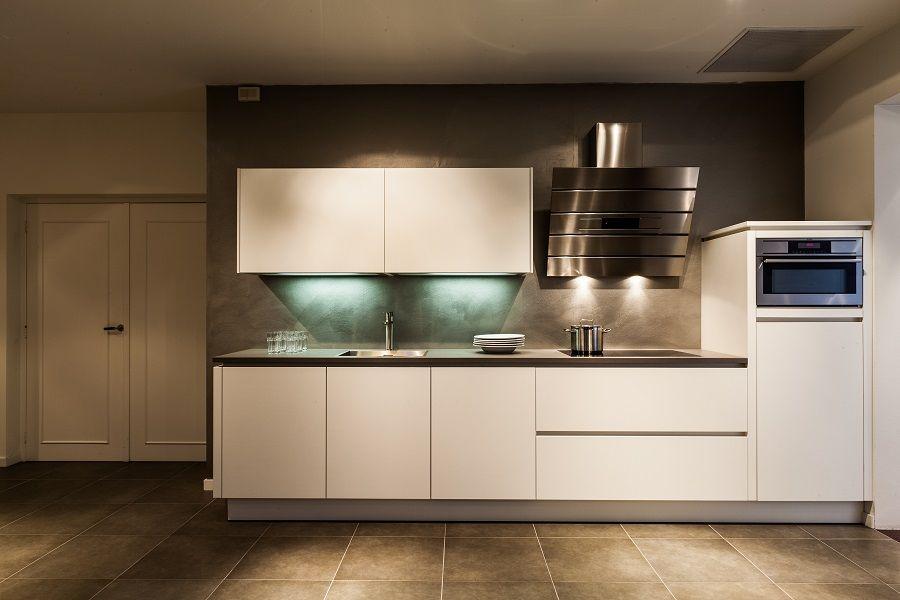 Keukenstekoop Nl Het Grootste Keukenaanbod Van Nederland Rechte Greeploze Keuken In Wit Ultramat 52433