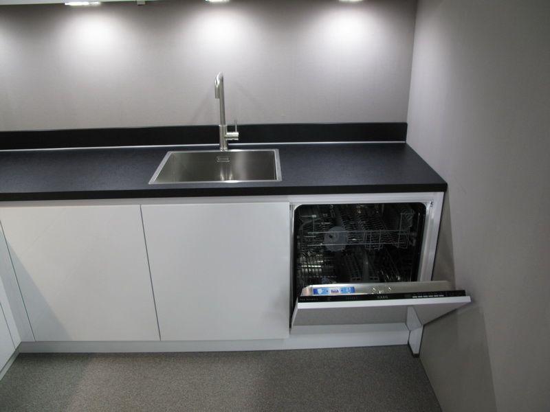 Keuken Plint Hoek : van Nederland Ultra hoogglans witte hoek keuken. [52489