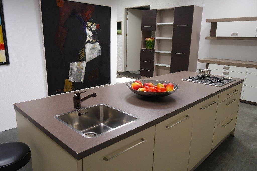 Duitse Design Keukens : keukenstekoop nl Het grootste keukenaanbod van Nederland