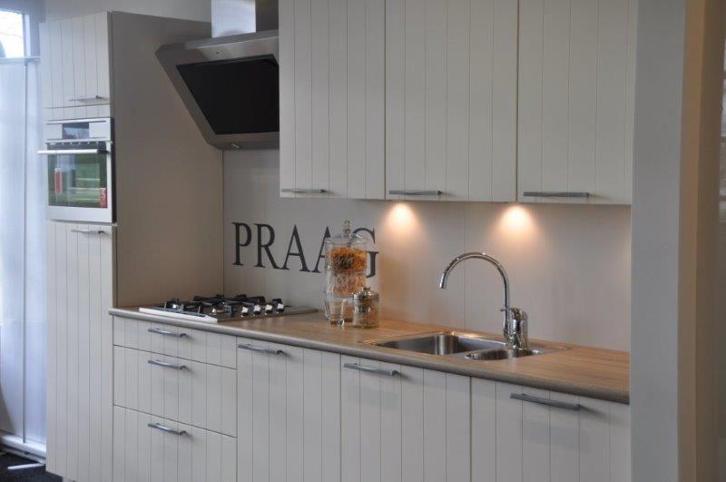 Het grootste keukenaanbod van nederland keuken praag landelijk magnolia - Afbeelding van keuken amenagee ...