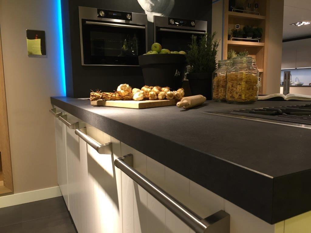 Het grootste keukenaanbod van nederland keller irvine wit zijdeglans 57343 - Model keuken wit gelakt ...