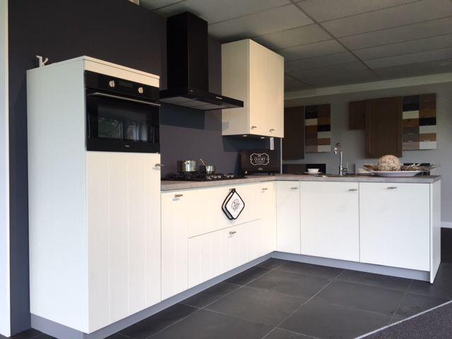 Keuken Met Schiereiland : Keuken met schiereiland bkb keukens